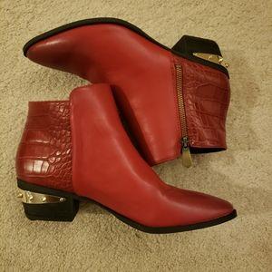 Sam Edelman Circus Red Boot 10M  gold heel detail